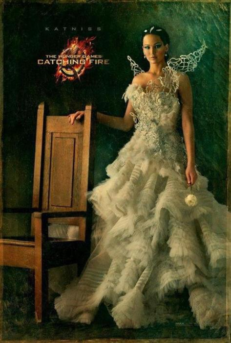 movies-jennifer-lawrence-hunger-games-catching-fire-katniss-white-dress